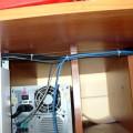 Кабел-канали, скриващи всички кабели на компютъра, интернета и принтера